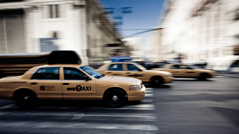 3 Taxis.