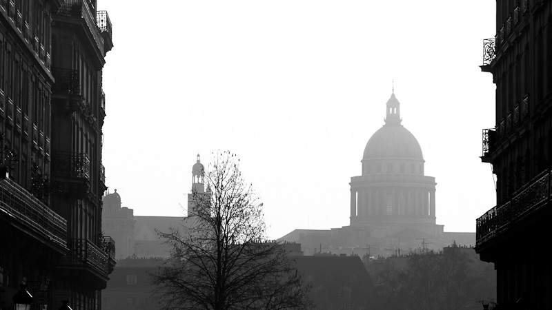 The Panthéon from Saint-Louis Island.