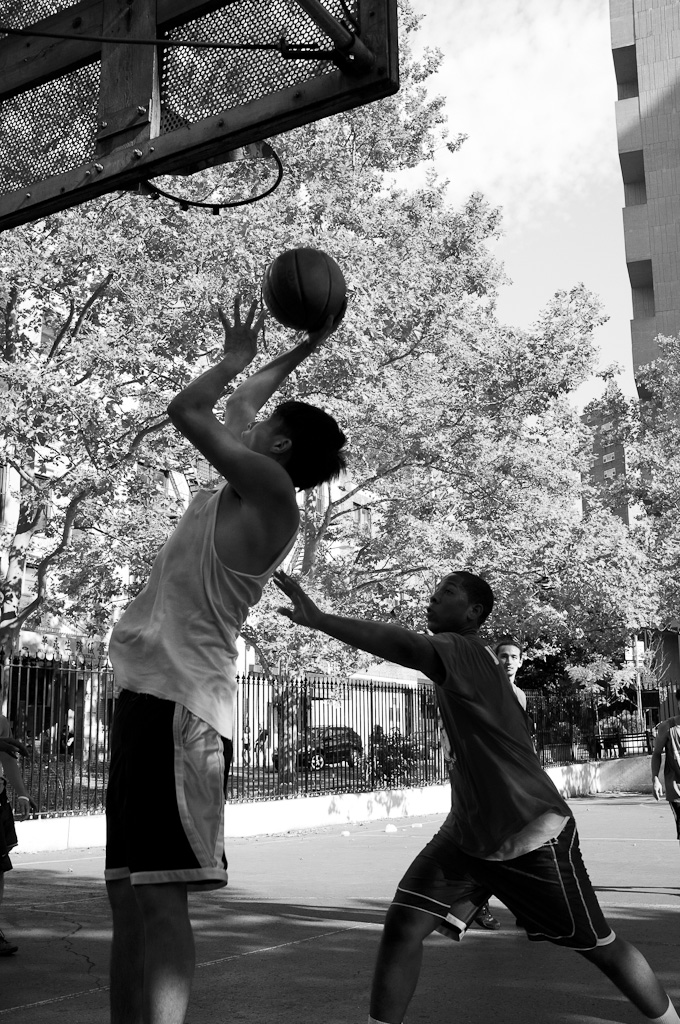 Street Basket Ball.