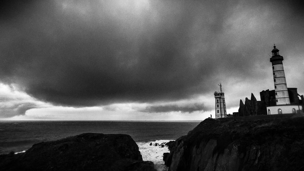 Pointe Saint-Mathieu (black & white).