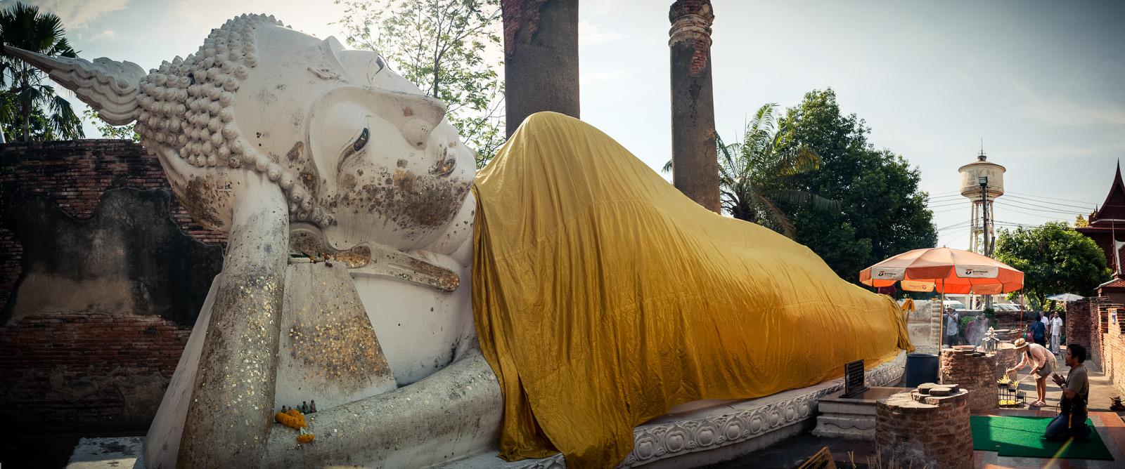 Lying white Buddha.