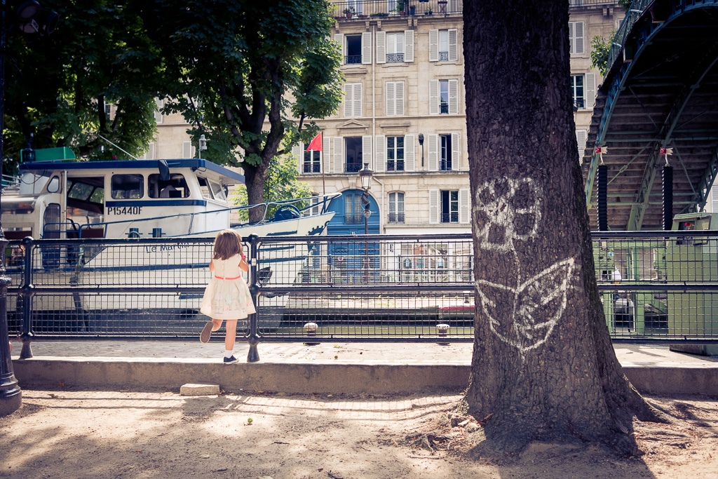 The flower and the little girl.