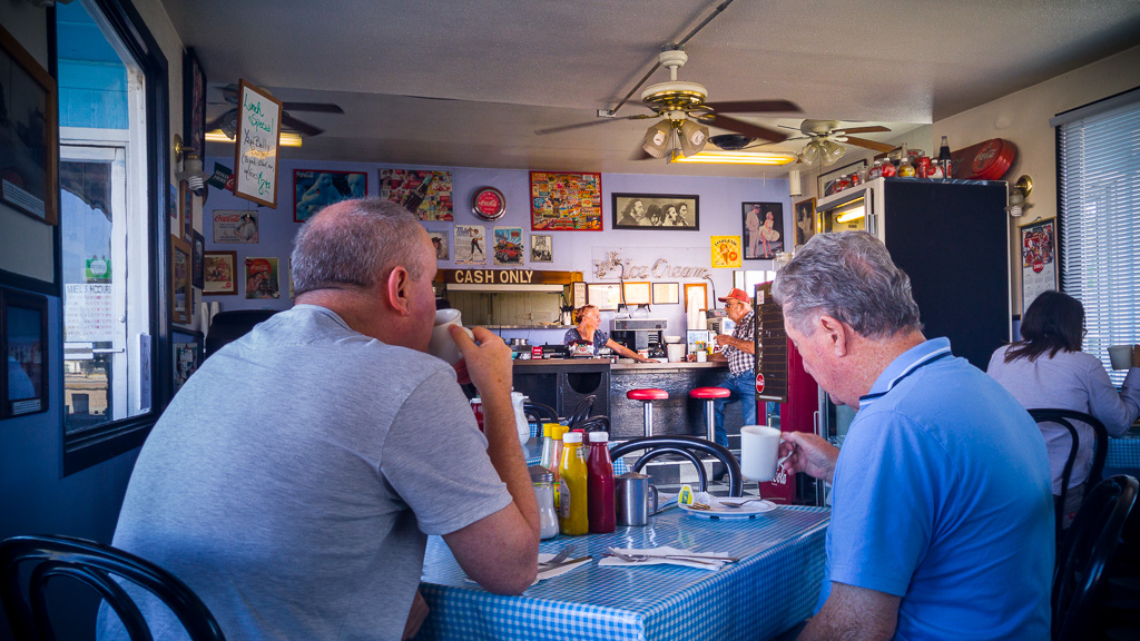 Breakfast at Mel's Diner.