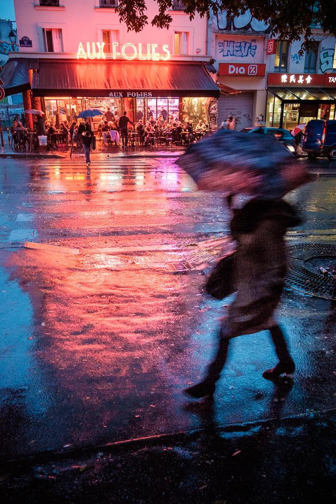 Raining down on the Folies.