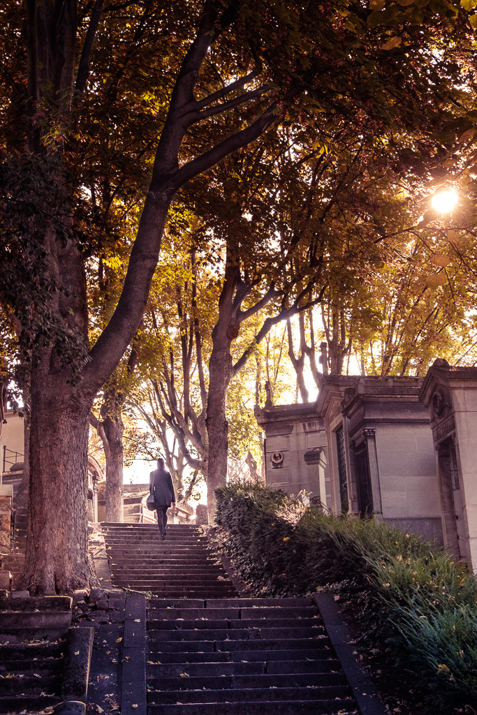 A walk in the Père Lachaise.