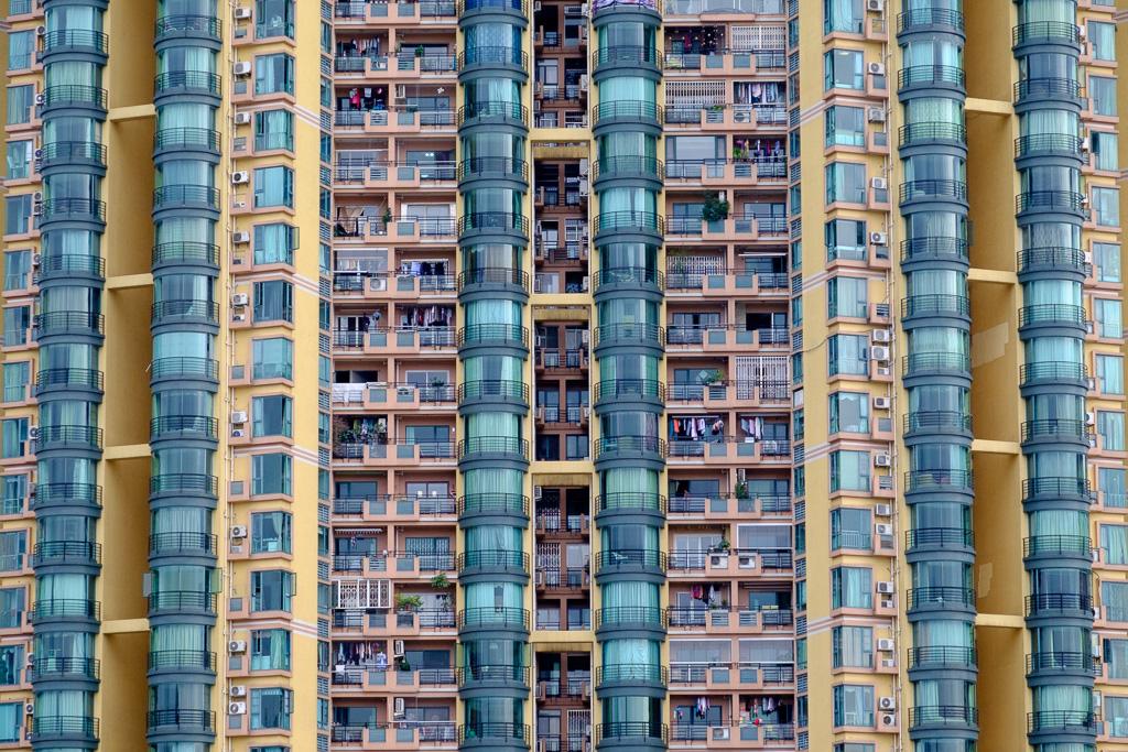 Symmetric walls.