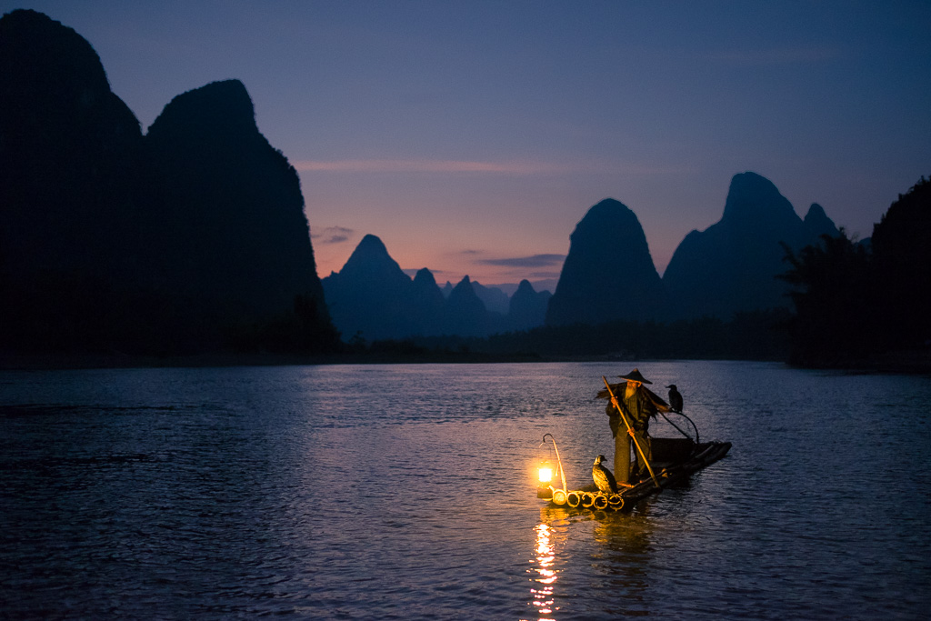 Nightfall on the Lijiang river.