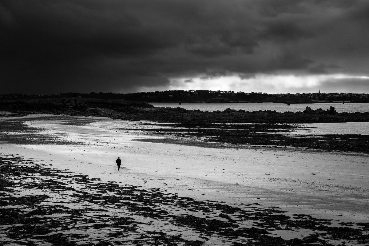 Walk on Perhérel beach.