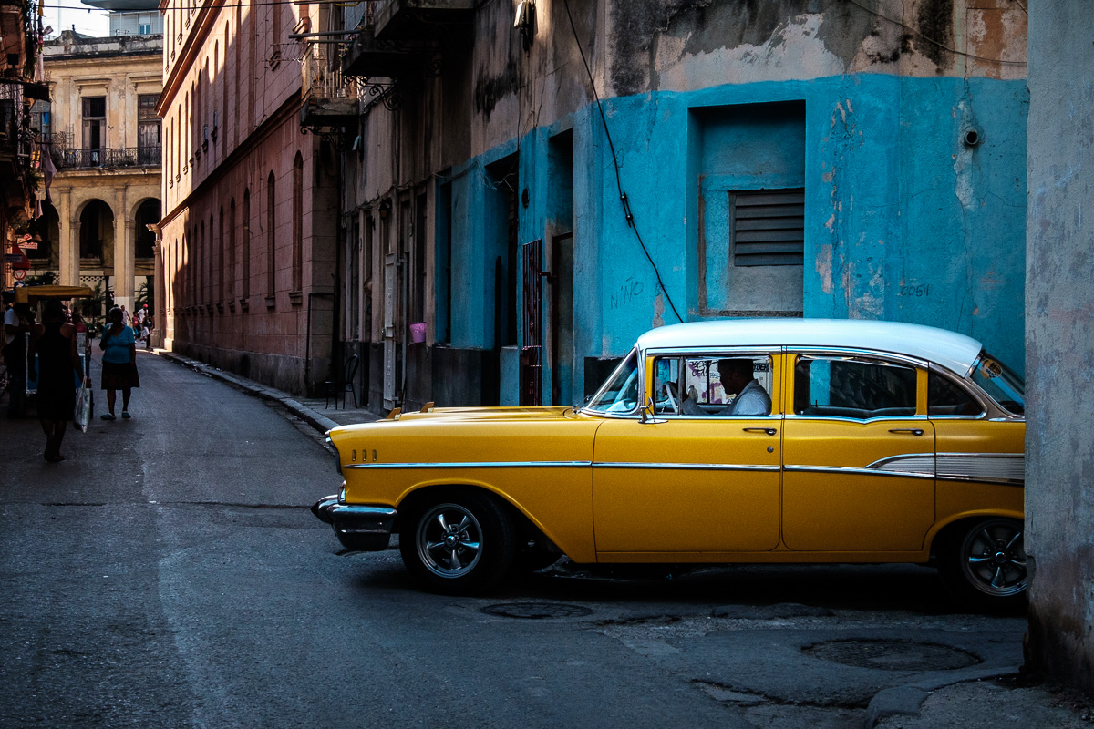 Driving though old Habana.