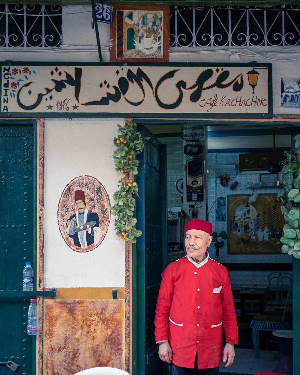 A café at Souk kachachine.