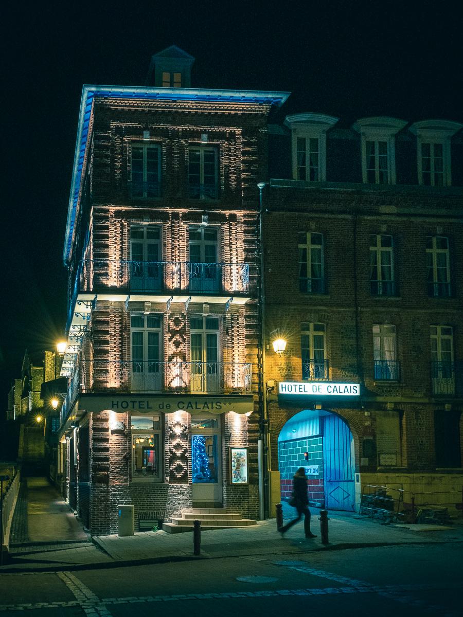 Hotel de Calais.