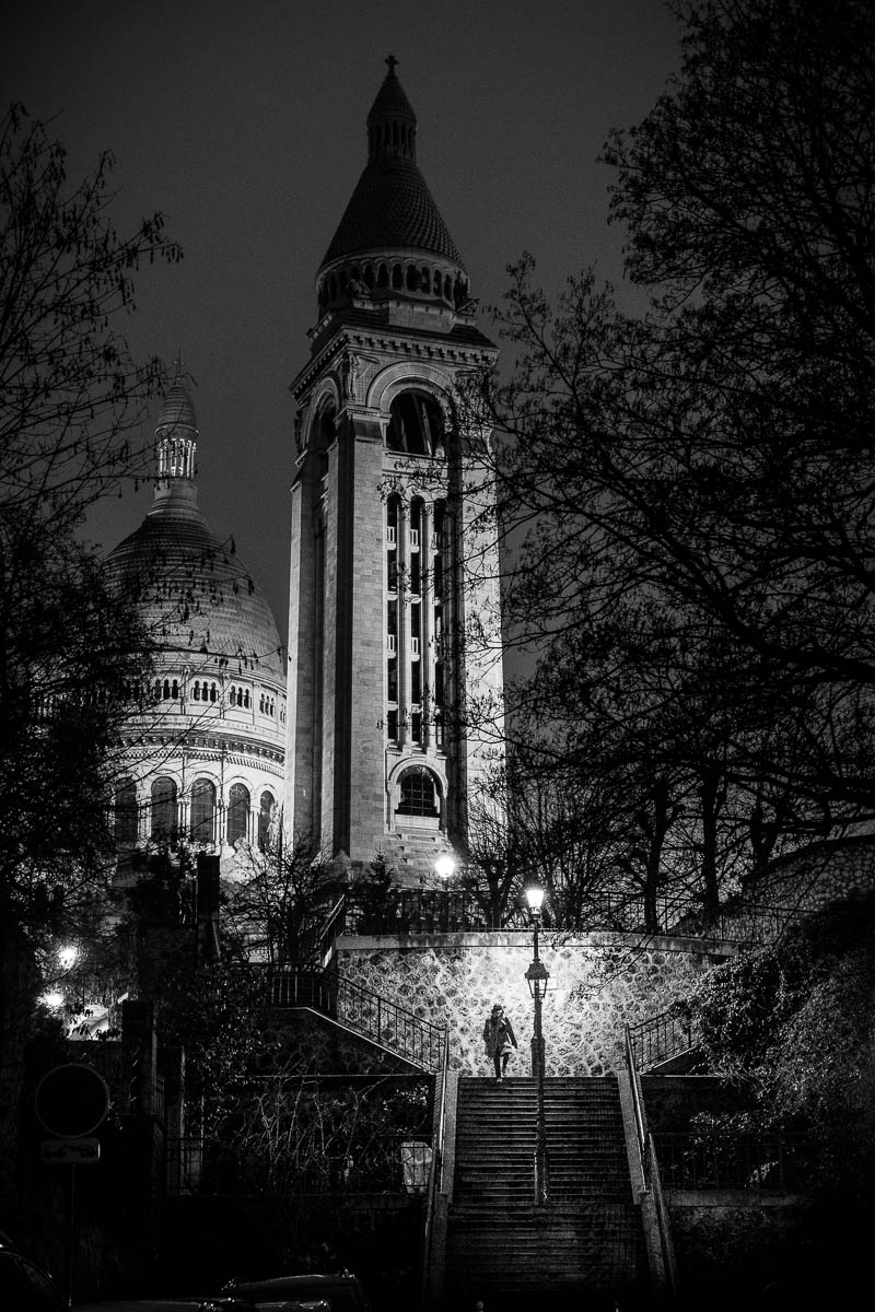 At night behind Montmartre.